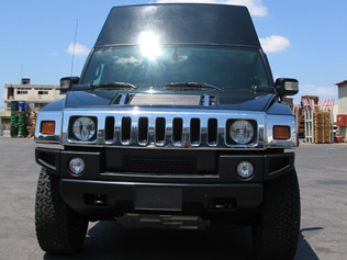 Front view of RCIED Jammer in Hummer